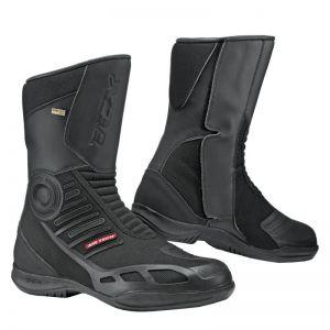 des bottes et des chaussures pour rouler moto en t. Black Bedroom Furniture Sets. Home Design Ideas