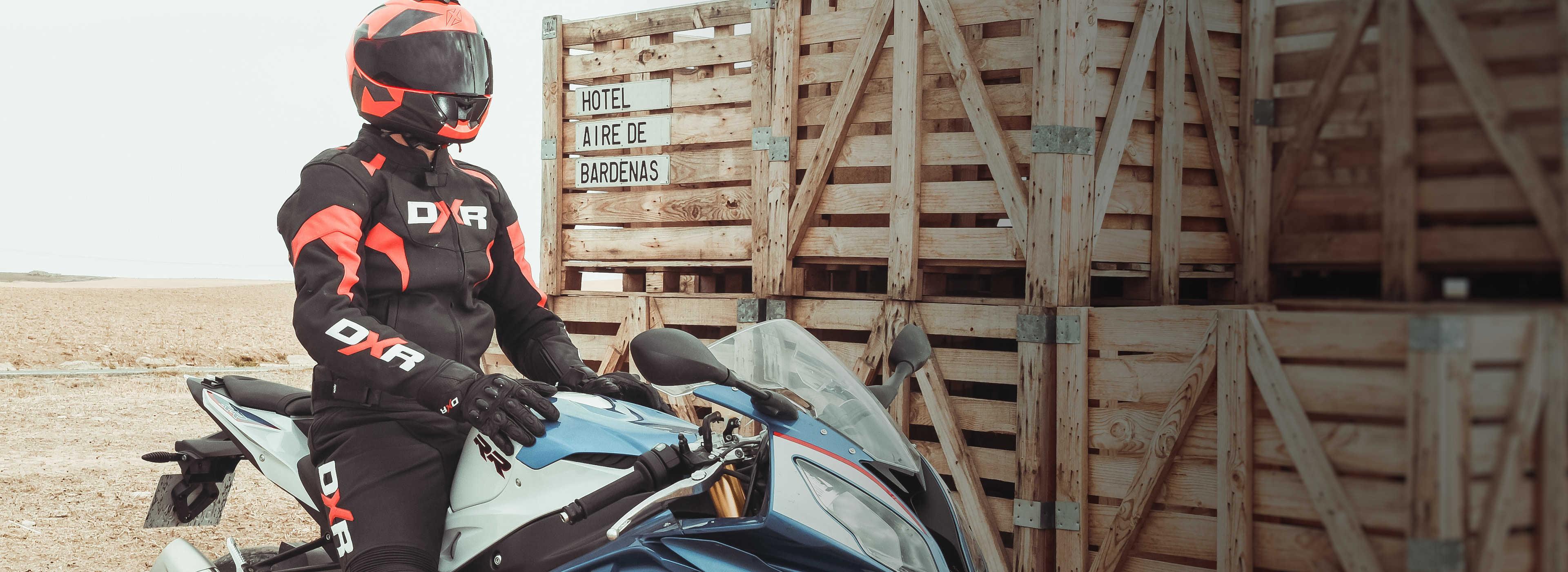 Des produits techniques, confortables et sécuritaires au meilleur prix. Découvrez les marques Motoblouz, conçues par des motards pour les motards !